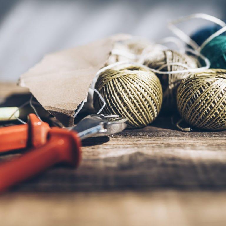 Bastelwerkzeug mit Garn